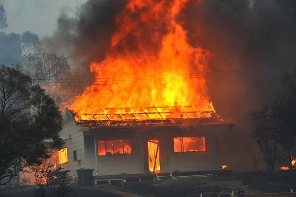 В Киеве горел частный двухэтажный дом